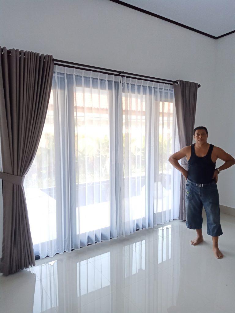 Pemasangan gorden di Villa jimbaran